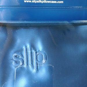 SLIPSILK